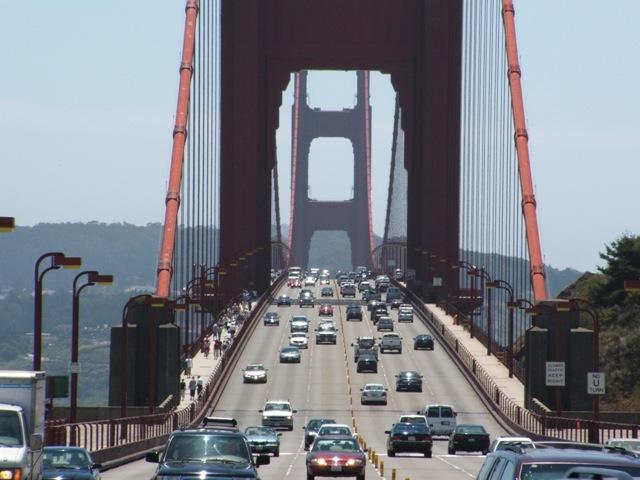 Мост Золотые Ворота, автомобильное движение.