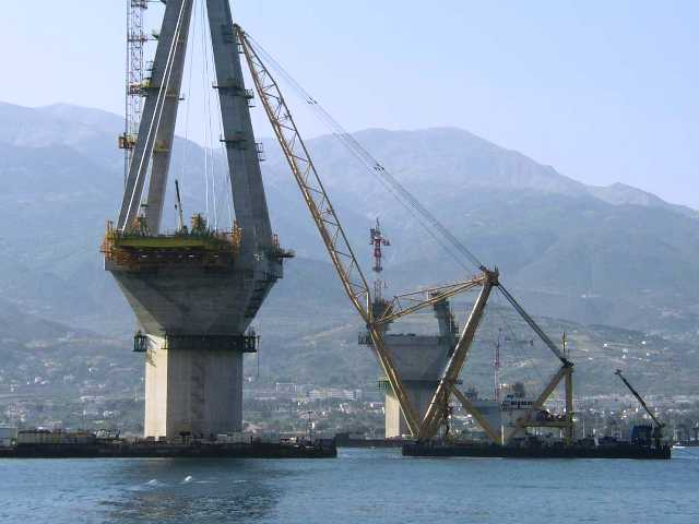 Строительство самого длинного моста в мире Рио-Антирио